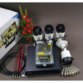 Bộ KIT Camera Dahua CVI vỏ sắt: 1 đầu ghi + 4 mắt thân trụ Hàng chính hãng