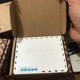 Thiết bị cân bằng tải mikrotik 750Gr3 hàng  mới có hộp