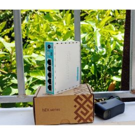 Router Mikrotik RB750-Gr3 (hEX)