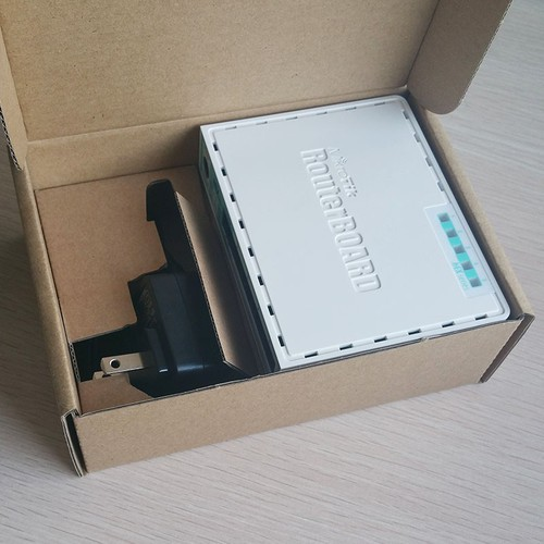 Thiết bị Router MikroTik RB750r2